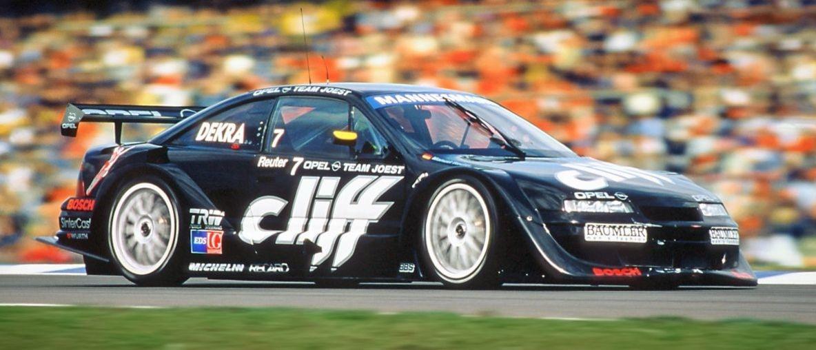 Πριν από 25 Χρόνια: Η Opel Κέρδισε το Παγκόσμιο Πρωτάθλημα Αυτοκινήτων Τουρισμού (WTCC) με το Calibra