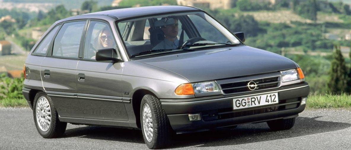 30 Χρόνια με Opel Astra: Συμπαγές Bestseller και Πρεσβευτής Αλλαγής