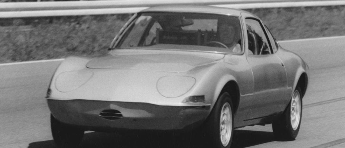 """50η Επέτειος: Η Opel Τιμά το """"Elektro GT"""" και τα Ρεκόρ του"""