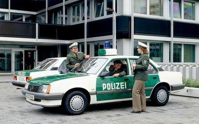 Πριν από 35 Χρόνια: Το Opel Ascona 1.8i το Πρώτο Γερμανικό Αυτοκίνητο με Καταλυτικό Μετατροπέα που Σχεδιάστηκε για την Ευρώπη