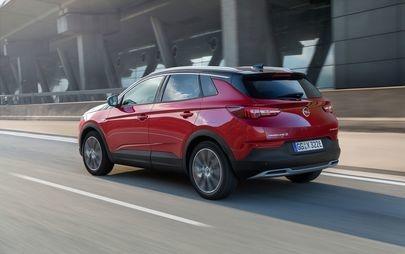 Σπορτίφ και χιουμοριστική: Νέα Τηλεοπτική Διαφήμιση για το Opel Grandland X Plug-in- Hybrid