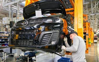 Η Opel επιστρέφει στη Ρωσία: τα Zafira Life και Grandland X στα καταστήματα διανομέων