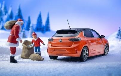 Το Νέο Opel Corsa-e Κρατά τα Φώτα Αναμμένα τα Χριστούγεννα